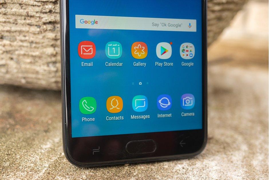 Smartphone Samsung Galaxy M20 při svém uvedení poběží s Androidem 8.1 Oreo.  Aktualizace na Android 9 Pie je pak měsíce daleko – dočkáme se jí v srpnu  tohoto ... 3b95c319e1